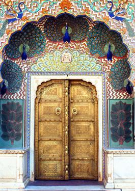 Paauksuotos durys Indijoje