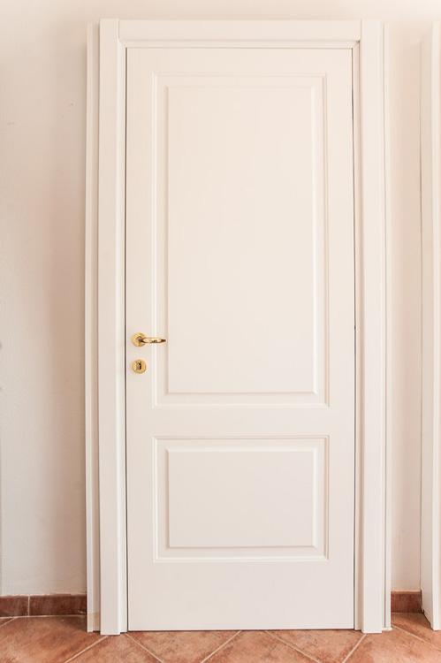 Dažytos vidaus durys